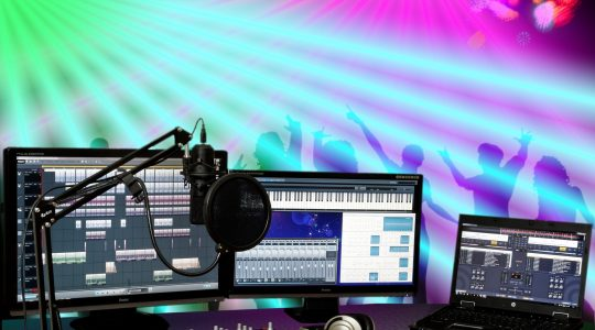 How To Connect A Mixer To An iPad (In 7 Steps)
